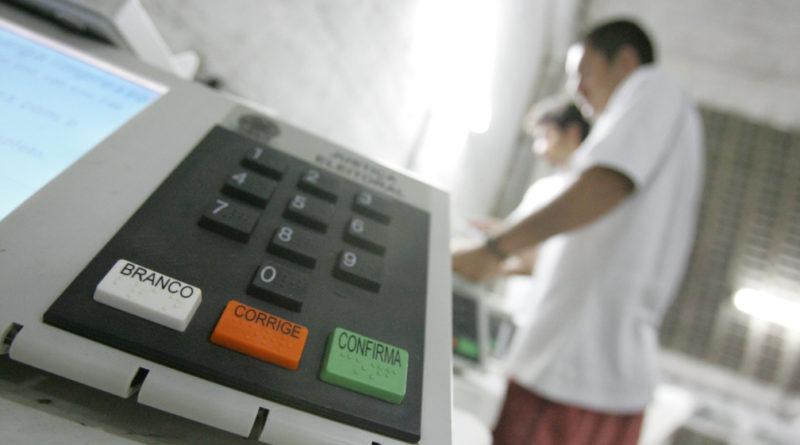 Resultado de imagem para voto urna transito