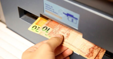 Sétimo lote do abono salarial 2016 começa a ser pago