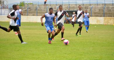 Vice-líder, Vitória folga na rodada do Estadual e elenco participa de jogo-treino